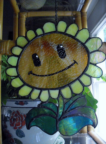 File:PVZ-Sunflower-StainedGlass.jpeg