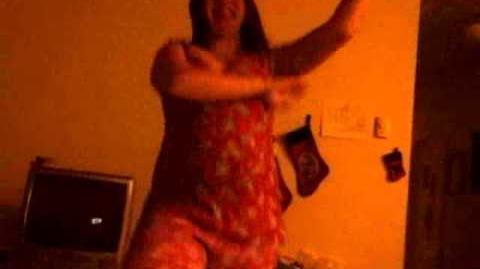 Amy Doing Gangnam Style (lol)