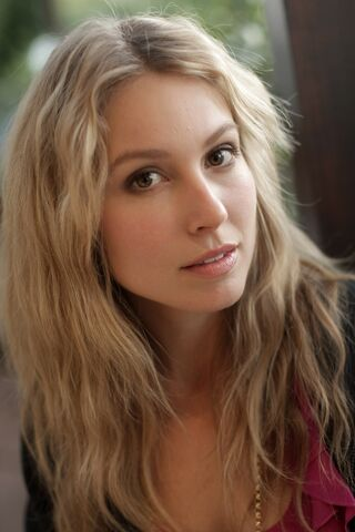 File:600full-sarah-carter.jpg