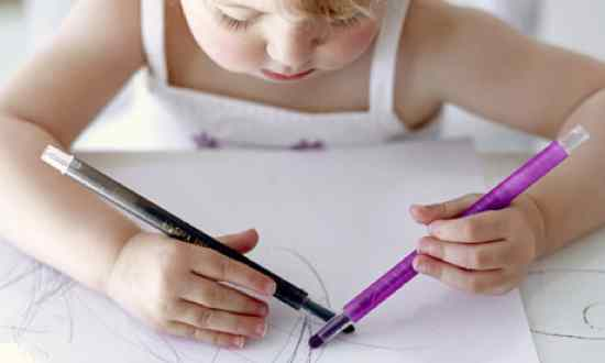 File:An-ambidextrous-girl-draw.jpg