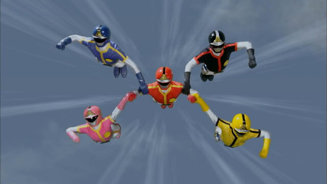 File:Episode 32 - Dynaman Finisher.jpg