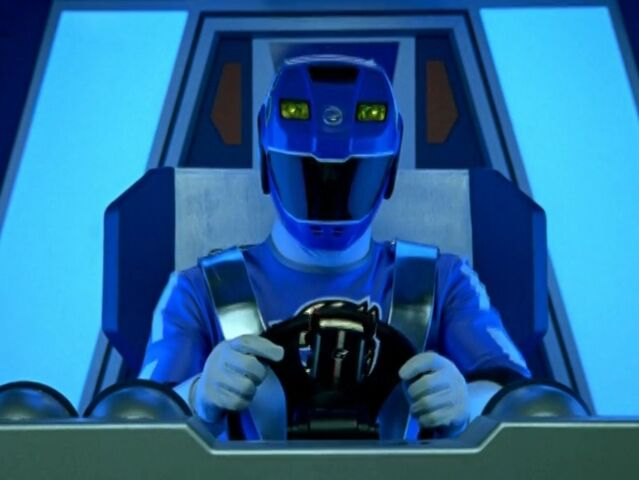 File:RPM = Lion Hauler Cockpit 01.jpg