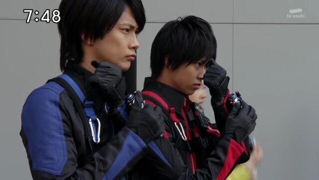 File:SentaiTransformationsbatchB018.jpg