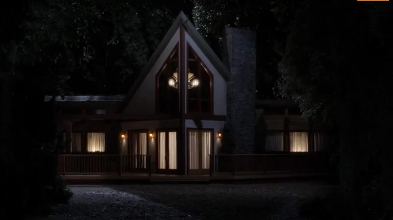 Pretty Little Liars Hanna Season 2 The Thornhill Lodge | ...