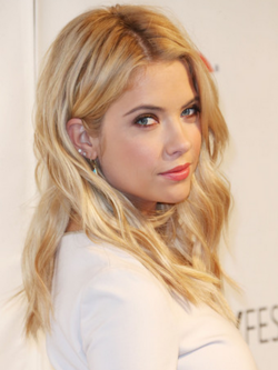 Ashley-benson-makeup