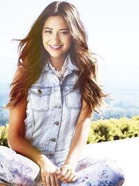 Shay Mitchell perf-6