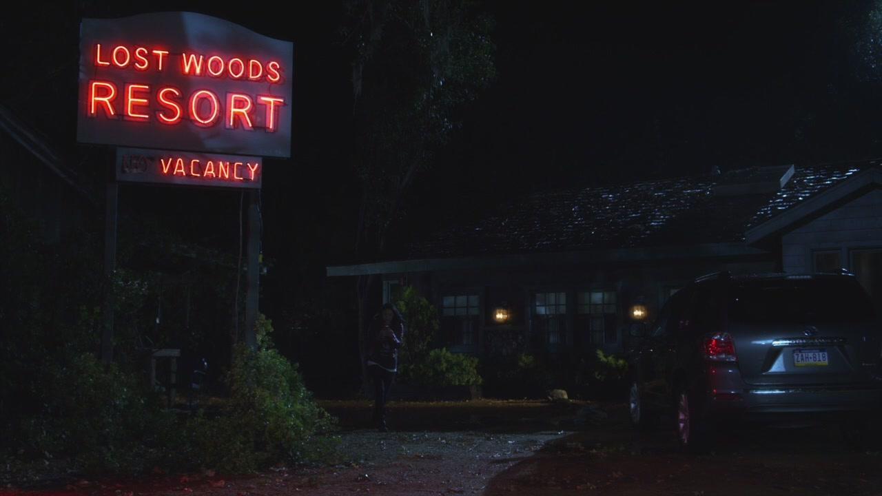 Pretty Little Liars Hanna Season 2 Lost Woods Resort | Pr...