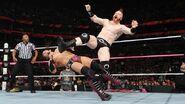 October 5, 2015 Monday Night RAW.15