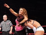 November 28, 2005 Raw.19