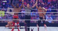 WWESUPERSTARS 102711 29