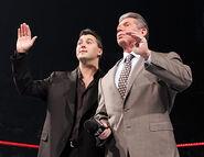 November 28, 2005 Raw.4
