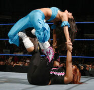SmackDown 11-28-08 006