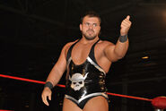 Michael Elgin 3