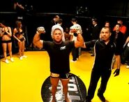 76933 Flex in MMA