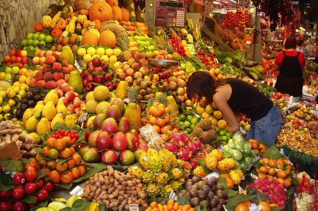 File:Fruit Stall in Barcelona Market.jpg