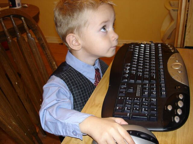 File:Braeden hacking.jpg