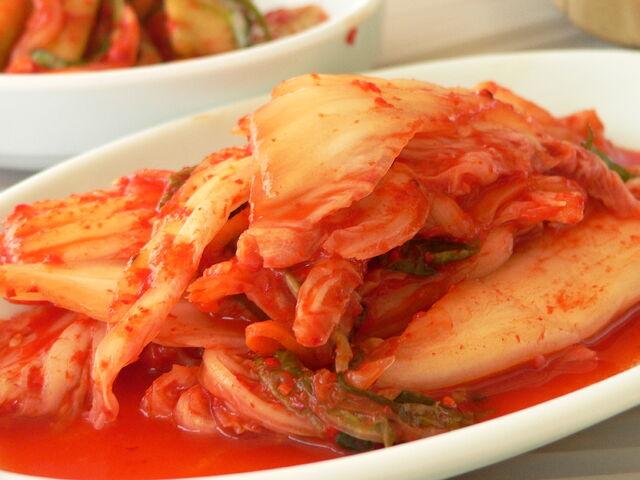 File:Kimchi-7625.jpg