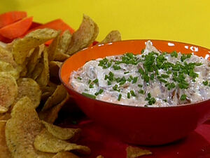 TM1107 French-Onion-Dip-and-Chips s4x3 lg
