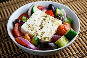 Greek Salad (Horiatiki Salata) 500