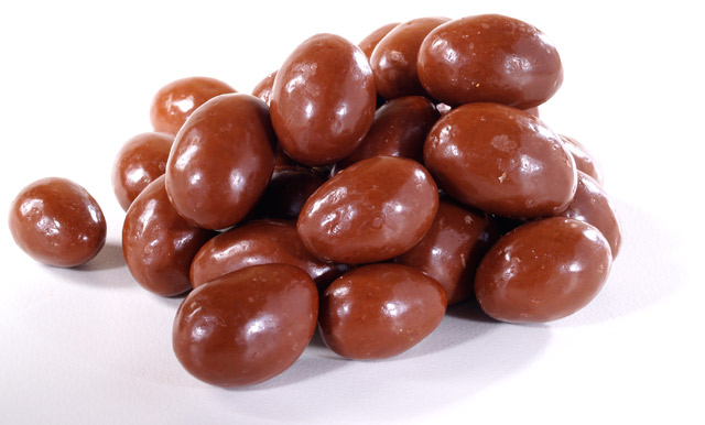 File:Chocolate-covered almonds image.jpg