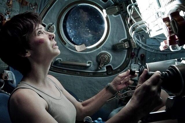 File:Gravity-film-Sandra-Bullock.jpg