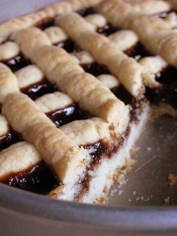 File:Crostata4 creampuffsinvenice.jpg