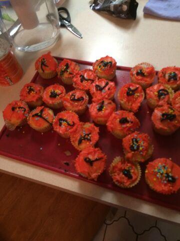 File:Halloween cupcakes.jpeg