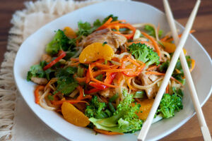 Easy-orange-chicken-noodle-stir-fry-recipe