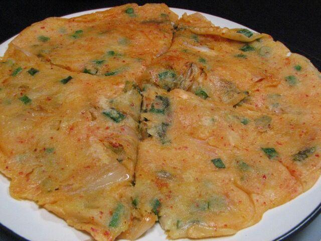 File:Korean pancake-Kimchijeon-05.jpg