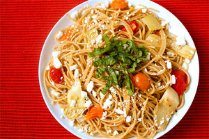 Pasta-with-artichokes-tomatoes-and-feta