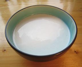 File:Cononut milk.JPG