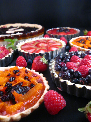 File:Medieval-fruit-tarts.jpg