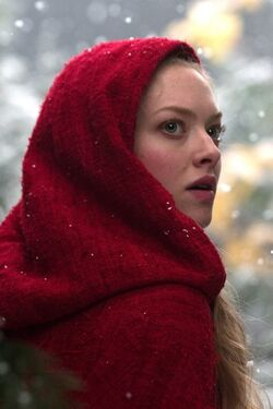 Red riding hood 2011 movie-iphone-wallpaper