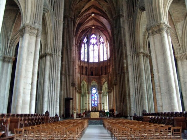File:Reims Cathedral-3.jpg