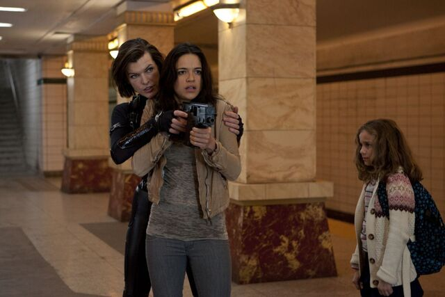 File:Resident-evil-Retribution-2012.jpg