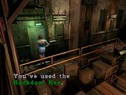 Resident Evil 3 Nemesis screenshot - Uptown - Warehouse examine 11