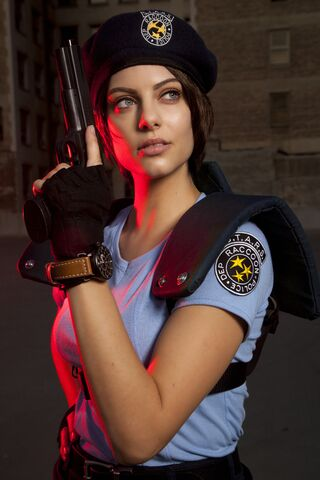 File:Julia Voth as Jill Valentine 12.jpg