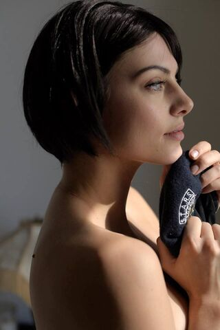 File:Julia Voth as Jill Valentine 37.jpg