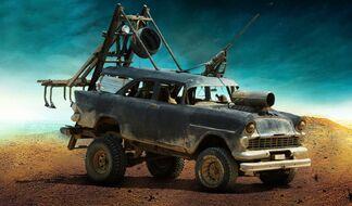 Vehicles-of-mad-max-fury-road-018
