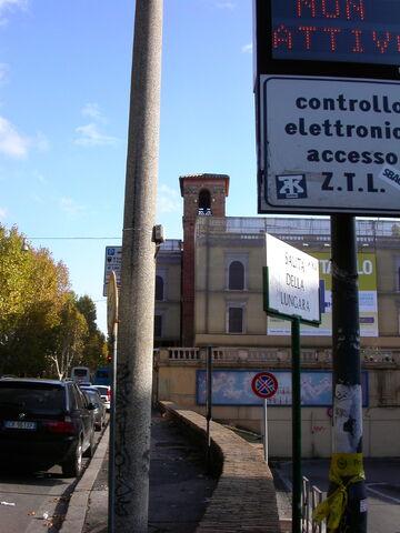 File:2011 Giacobo in Lungara, campanile.jpg