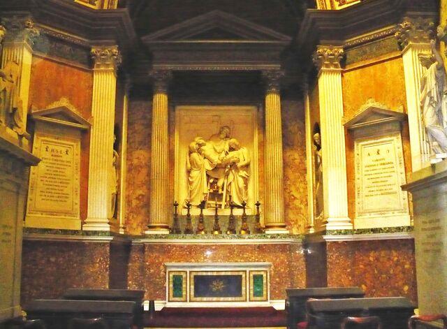 File:The Torlonia family Chapel, St John Lateran-2008 485.jpg