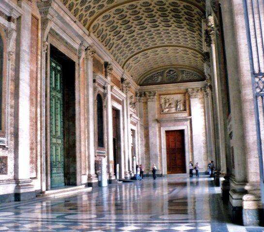 File:BASILICA of ST JOHN LATERAN -Rome- Oct. 2008 406 (3) (800x601).jpg