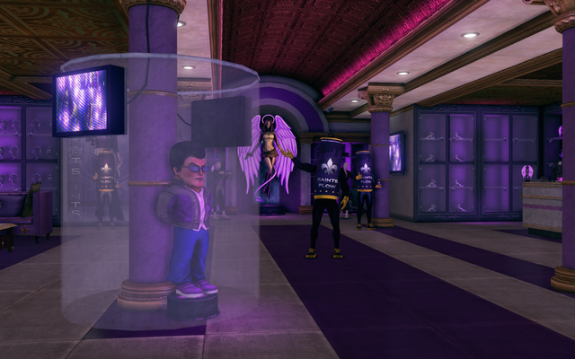 File:Planet Saints - interior with Gat mascot.png