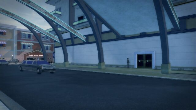 File:Heron Hotel - entrance exterior.jpg