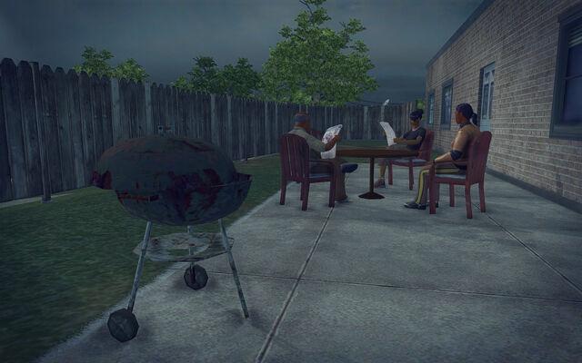 File:Quinbecca - back yard.jpg