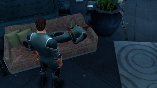 File:Pierce relaxing on the sofa.jpg