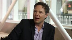EXCLUSIVE George Newbern on SCANDAL's Secrets - Hollywood Today Walk of Fame Pt 1