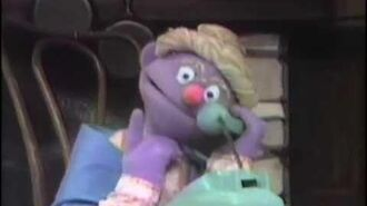 Classic Sesame Street The Answer Lady - Granny Fanny Nesselrode's Telephone (German)