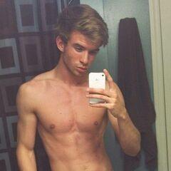 Aaron Rhodes