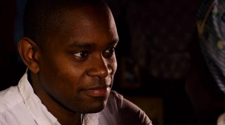 Capheus, es un conductor de autobús de Nairobi, África. Este chico trata de ganar dinero para comprar las medicinas de su madre que fue contagiada de SIDA. (recuerden que habra un cambio de elenco en la T2)